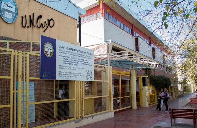 Especialistas en Metodología de Análisis de Redes Sociales visitan la UNCUYO
