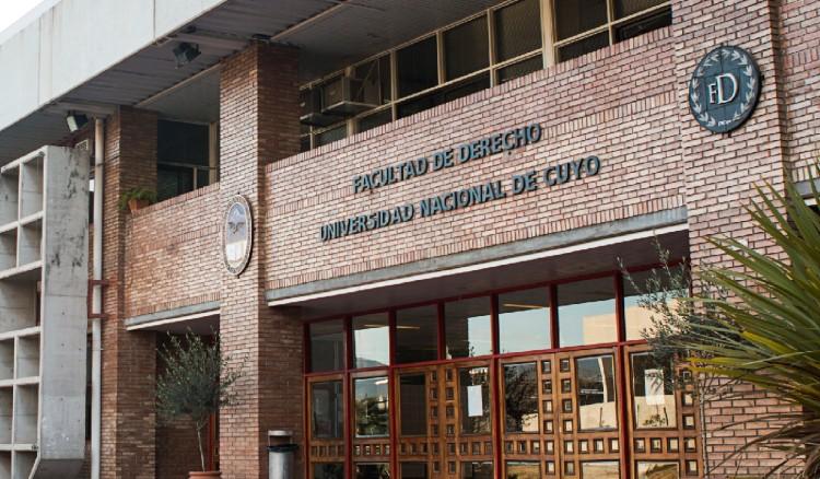 Consultorios Jurídicos de la UNCUYO: vuelve la atención presencial