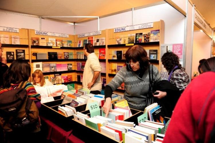 Ediunc se suma a la Feria del Libro de Buenos Aires con otras universidades