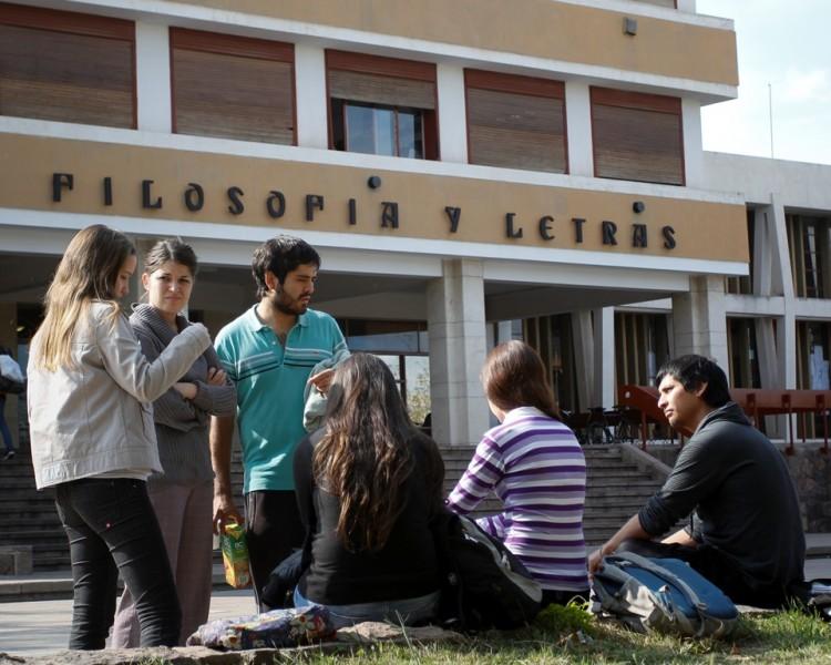 Catorce idiomas para estudiar en la UNCuyo