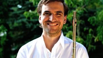 Músico de la Universidad enseñará técnica e interpretación de flauta