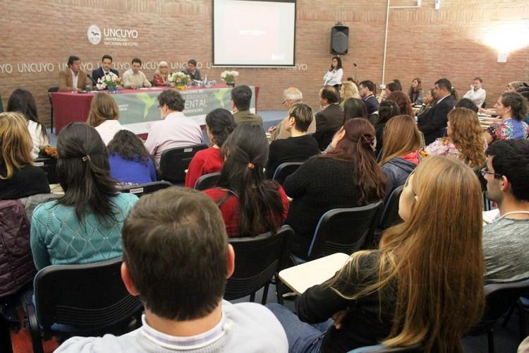 Especialistas debatieron sobre gestión y educación ambiental