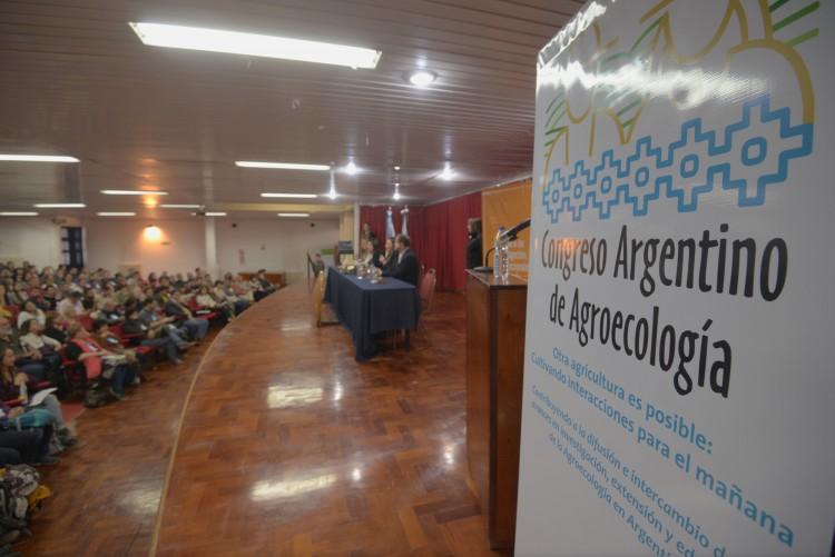 Ciencias Agrarias editó un libro digital sobre agroecología