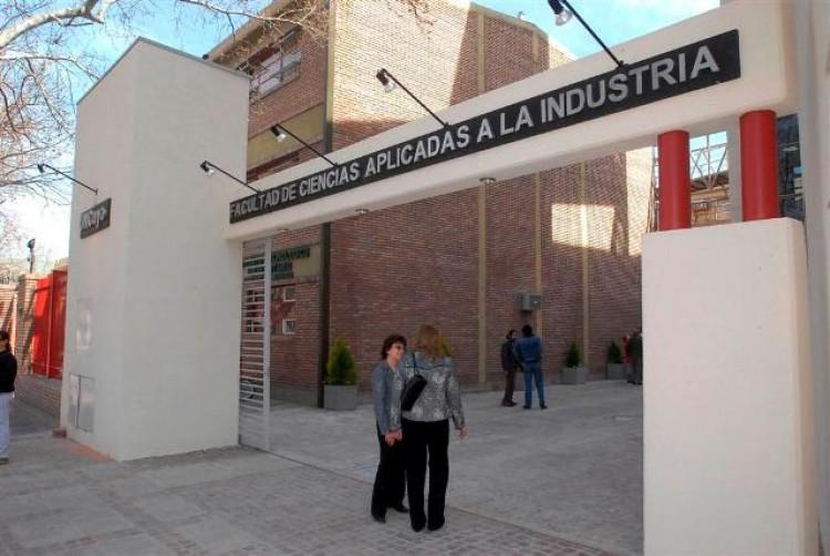Emprendedorismo, tema de una disertación en Ciencias Aplicadas de San Rafael