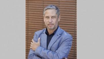 El escritor y matemático Guillermo Martínez en un coloquio del Balseiro