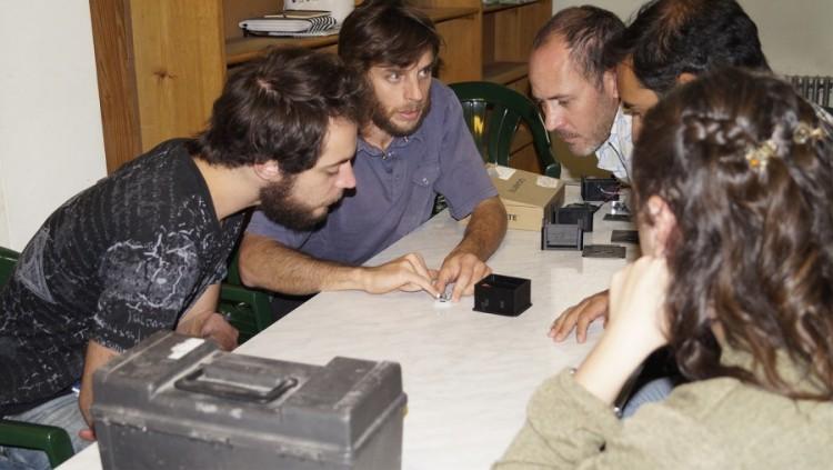 Enseñan a elaborar instrumentos científicos a bajo costo