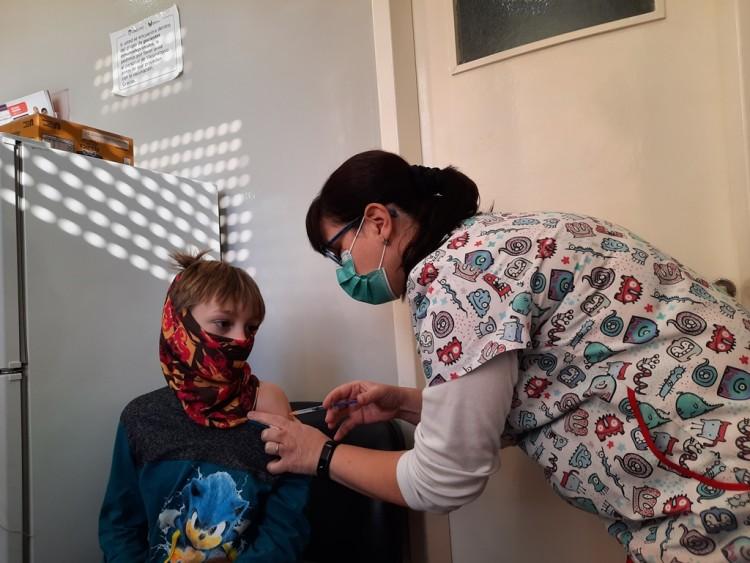 Diez mil personas ya se vacunaron en el Hospital Universitario