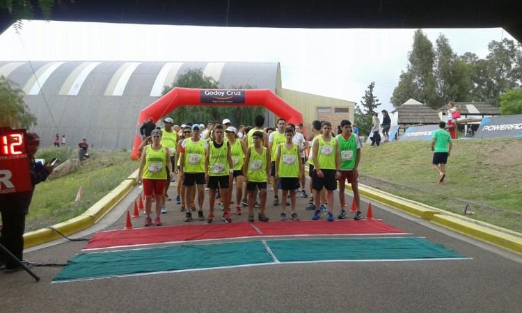 Más de 300 personas corrieron la Maratón de Deportes