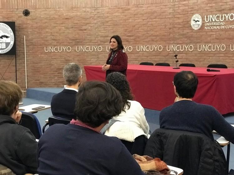 La UNCUYO busca fortalecer la movilidad nacional de sus estudiantes