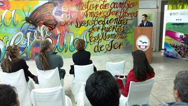 Un mural para reivindicar el derecho a la diversidad sexual