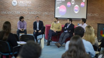 Egresados de la UNCuyo forman en liderazgo a estudiantes extranjeros