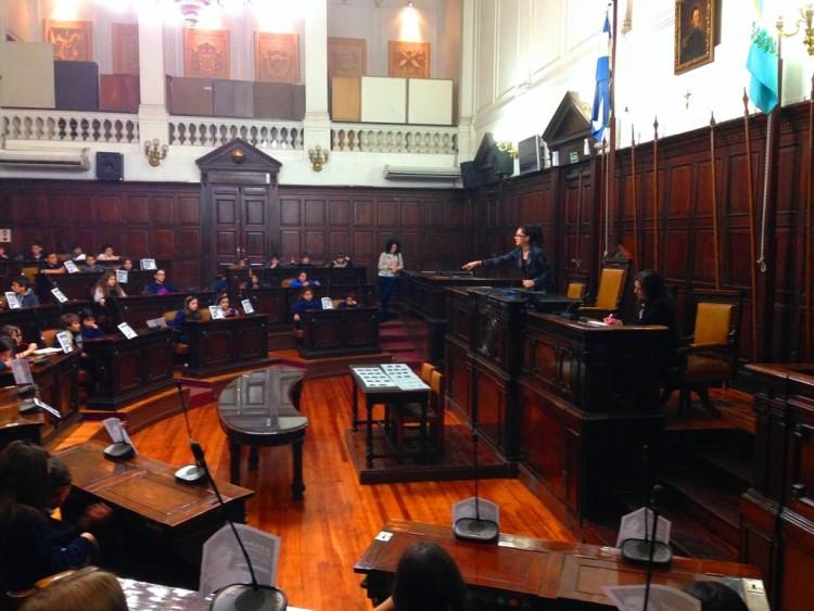 Estudiantes de la Vera Arenas fueron legisladores por un día