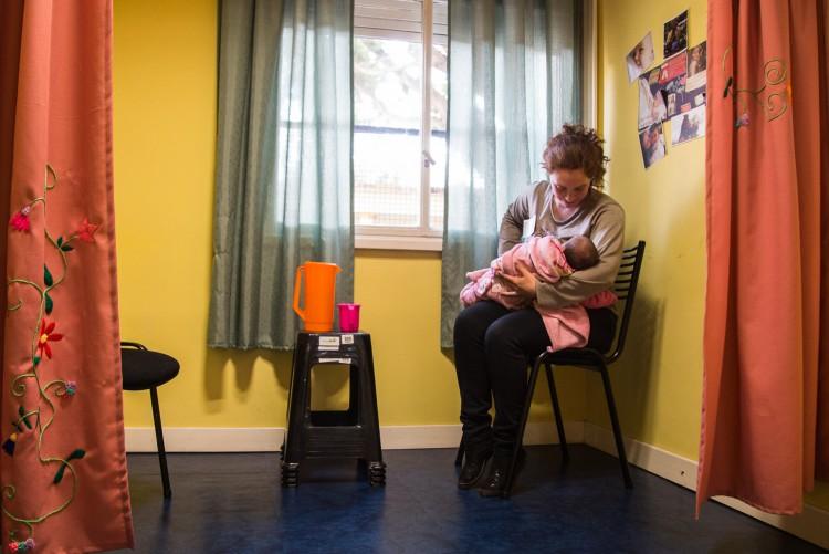 Cuidado infantil y condiciones laborales: una investigación refleja que son fuentes cruciales de la desigualdad económica de género
