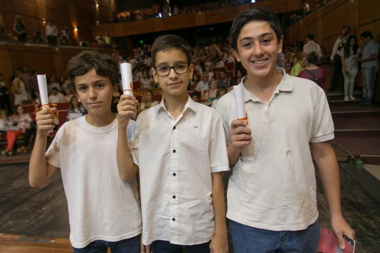 Egresaron 50 chicos que incorporaron la lengua de señas como segundo idioma