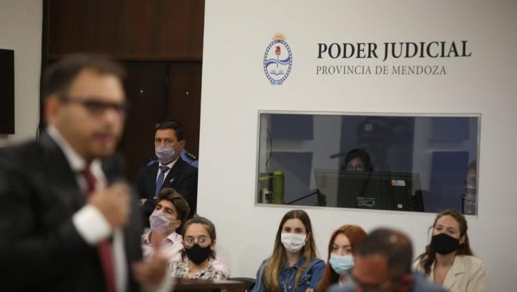 imagen que ilustra noticia Caso Gil Pereg: la UNCUYO realiza la traducción del juicio para el mundo
