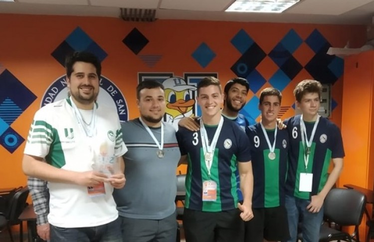 La U en el podio de los Juegos Universitarios Regionales