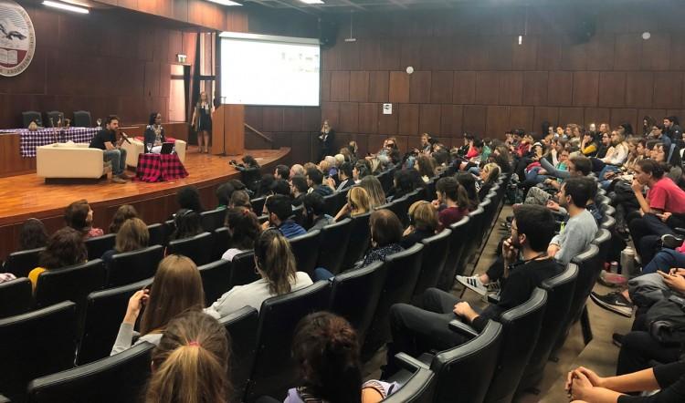 Conferencias con especialistas para promover la paz