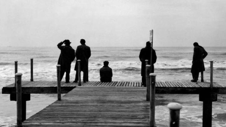 imagen que ilustra noticia La versión restaurada de Los Inútiles de Fellini llega al Cine ...