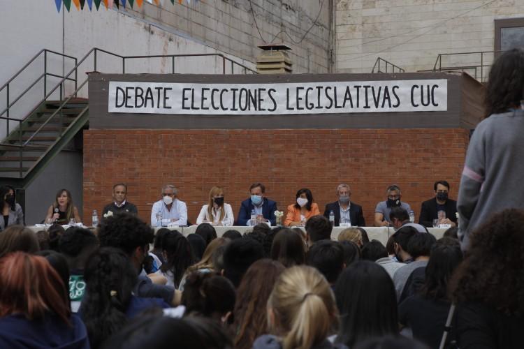 Estudiantes del CUC realizaron un debate con los candidatos mendocinos al Congreso Nacional