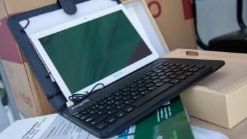 Conectividad en la UNCUYO: entregaron tablets a estudiantes