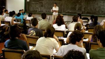 Oportunidad para que docentes estudien en universidad nacional o extranjera