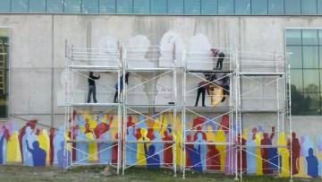Los rostros de los estudiantes desaparecidos vivirán en un mural