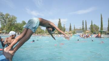 En la UNCUYO nadarán por una causa solidaria