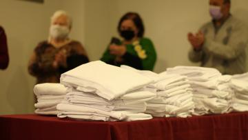 Colecta de materiales para confeccionar ropa de cama que será donada a hospitales y centros de salud