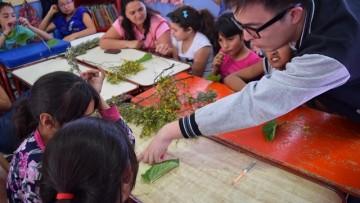 Niños del barrio Yapeyú aprenden a conocer la flora nativa