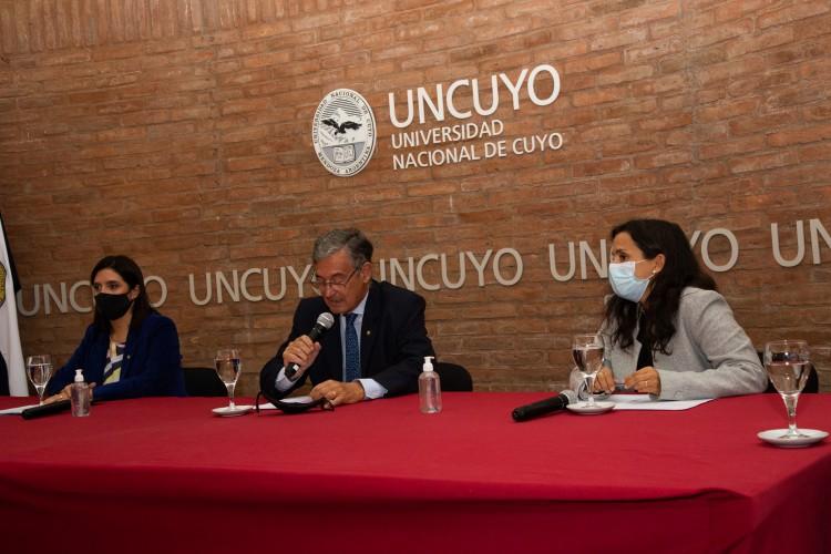 """UNCUYO y DGE presentaron la plataforma Nexos """"Redes de aprendizaje"""""""