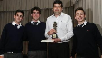 Premio raíces para estudiantes de la Escuela de Agricultura