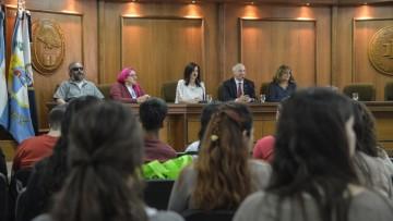 Estudiantes con discapacidad se reúnen para discutir sus derechos