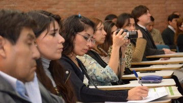 Promueven la inserción profesional de graduados y estudiantes