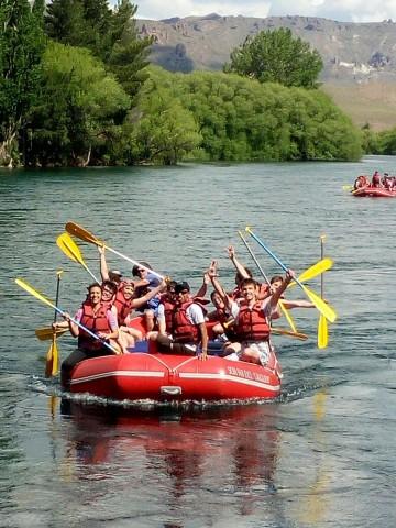 Estudiantes del Balseiro cerraron el año con rafting