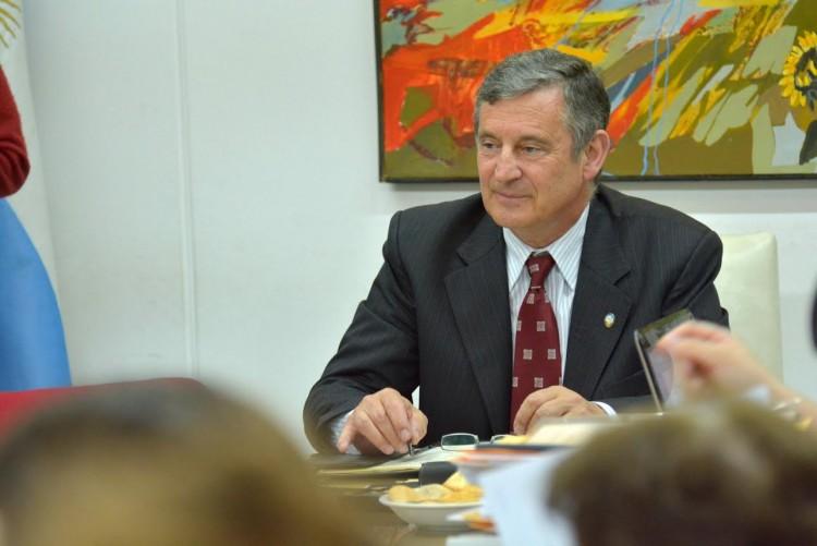 Pizzi promueve la efectivización de docentes de la UNCUYO