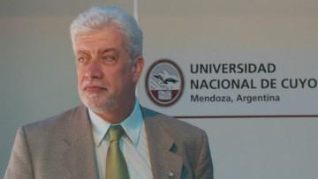 Somoza es panelista en encuentro internacional de universidades