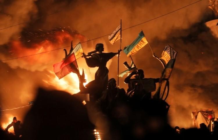 Analizan la situación internacional actual en Ucrania y Rusia