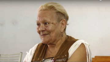 Se recibió de enfermera a los 74 años