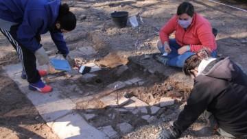 Estudiantes de la UNCUYO participaron en la primera Escuela Arqueológica de campo