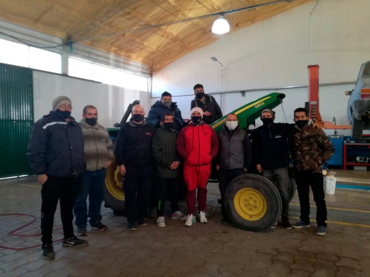 Capacitaron en mantenimiento de tractores en el sur provincial