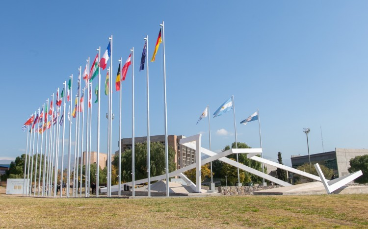 An international promenade which unites nations